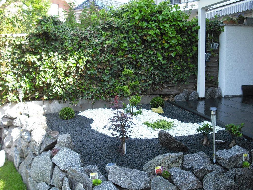 Gartengestaltung senf geb ude und hausmeisterservice - Gartengestaltung mit splitt ...
